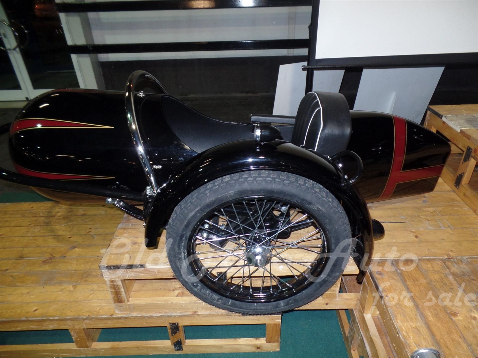 Royal Sidecar